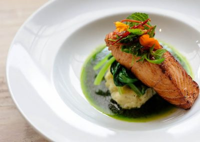ID_GrilledsalmonwithAsiangreens